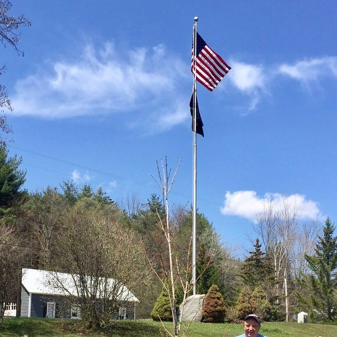 @Adirondack Mtns, #Hudson River #ArborDay #Tree's by the #flagpole @Warrensburg, NY https://t.co/bSZNWFVplR https://t.co/rffXZtKEiZ