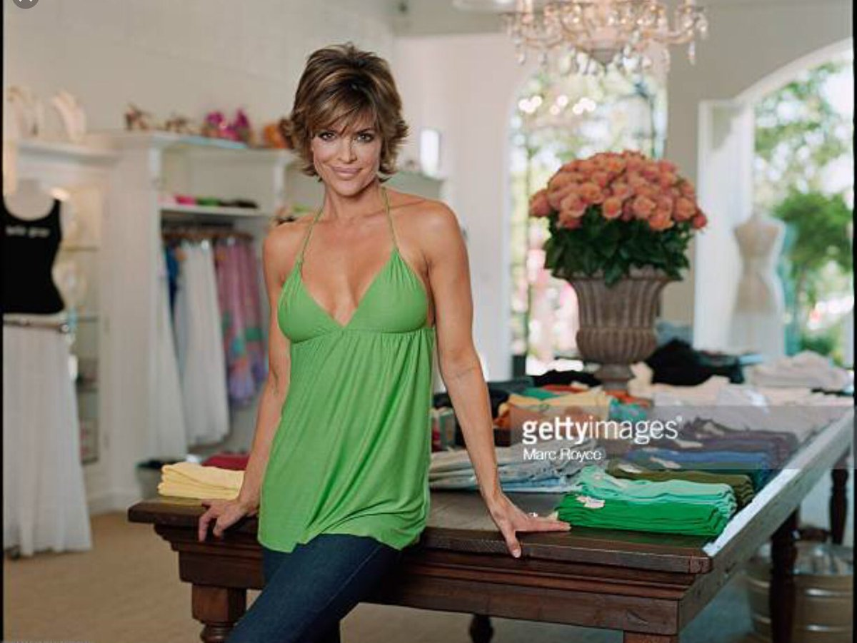 15 years ago TODAY We opened our first Belle Gray Boutique in Sherman Oaks, California ???? https://t.co/ZagmHxaVGH