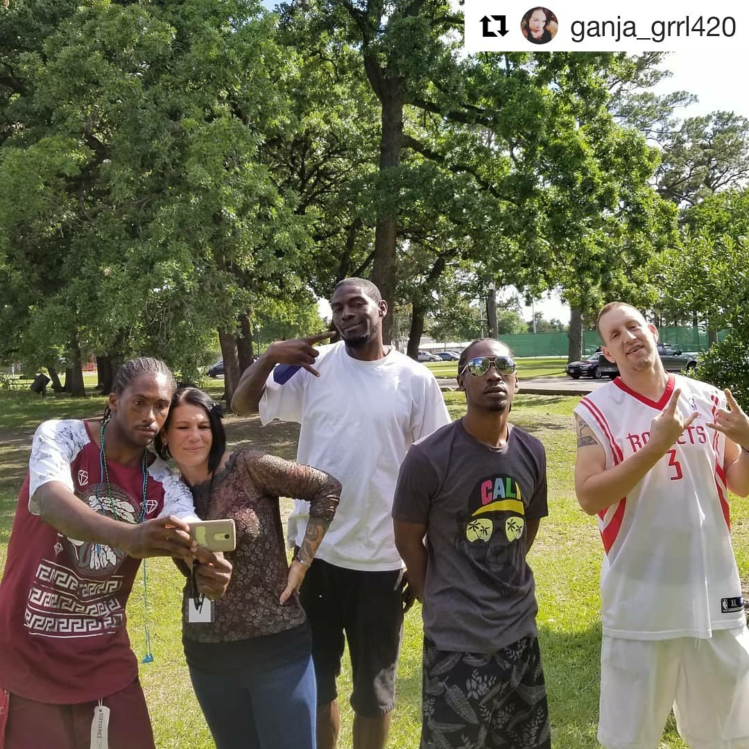 ganja_grrl420 Houston Norml Global Marijuana March cash45n cash_ntertainment mistamathew problem_ru_400_block  #420opencarry #houstonnorml #freetheweed #houston #freedom #music #texas420revolution #wethepeople #getoffurcouch #veterans #hemphelps #stonernation #cannabiscommuntiy https://t.co/NIFh3VeVOL