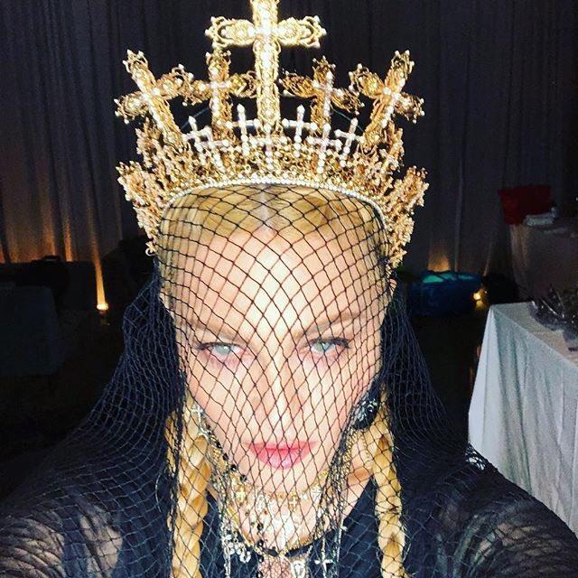I am Here to Serve ???????????????? #catholicimagination #metgala #Jpgaultier #blessed ???? https://t.co/BFKW3NluTu