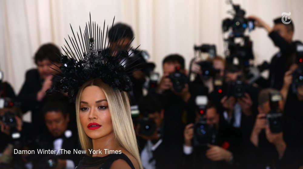 """Rita Ora on the Met Gala red carpet: """"I forgot my ticket do you think they'll let me in?"""" https://t.co/zHcDBpIOKv"""
