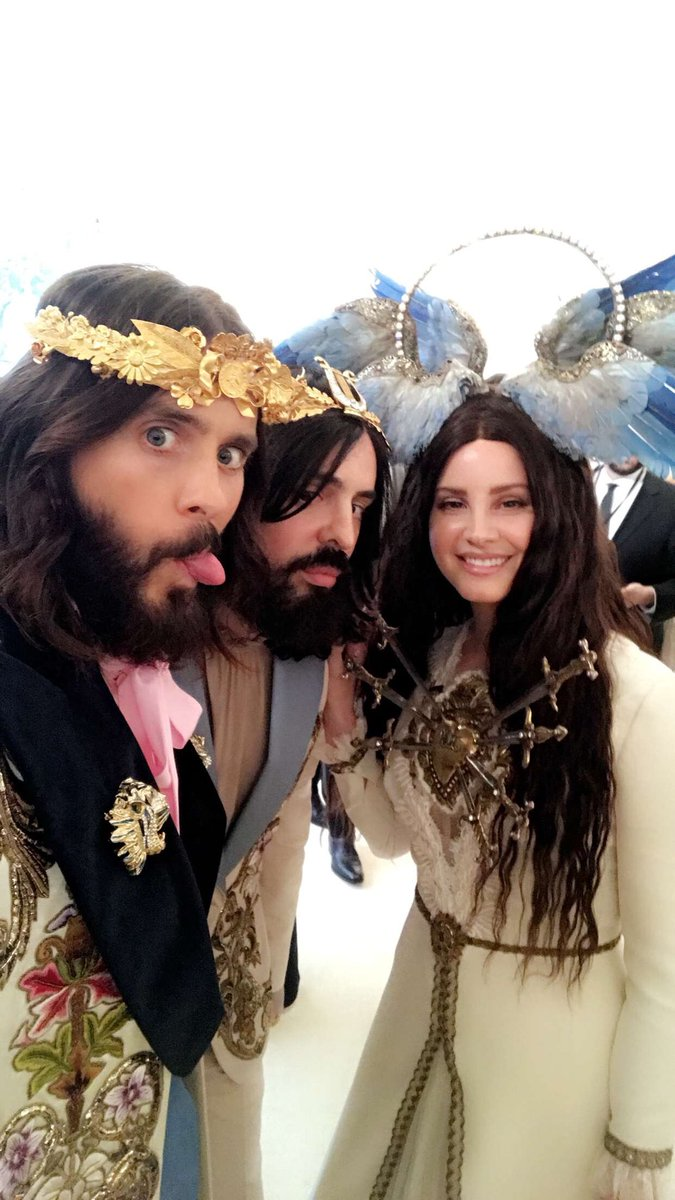 ???? #MetGala. https://t.co/JjbjJOVPBT