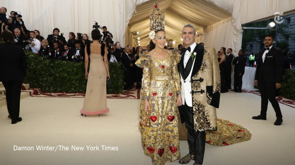 Sarah Jessica Parker and Andy Cohen are on theme at the Met Gala https://t.co/uhxp3mFfdx https://t.co/WN5MbgwzCa
