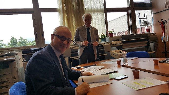 test Twitter Media - Oggi è stato siglato l'Accordo di Ricerca Scientifica Applicata e Sviluppo tra il DIEM, l'OPSAT dell'Università degli Studi di Salerno e INIZIATIVA. https://t.co/DIHJZ6gKi3 https://t.co/wUYaNBnkZp