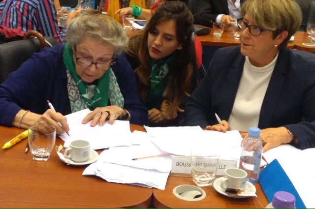 #Avortement @dabousquet, Présidente du @HCEfh, est auditionnée ce jour devant le Parlement Argentin pour défendre la légalisation de l'#IVG cc @leplanning  #AbortoLegalYa https://t.co/LXaG1PdAxp