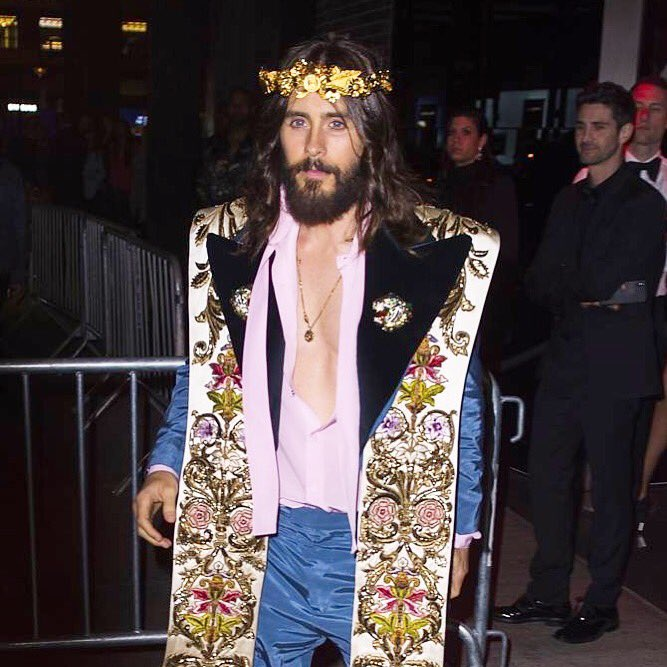 Afterparty. ???????????????? #MetGala #MetHeavenlyBodies @gucci   https://t.co/9RCK7G286R https://t.co/UxcN9mdkbQ