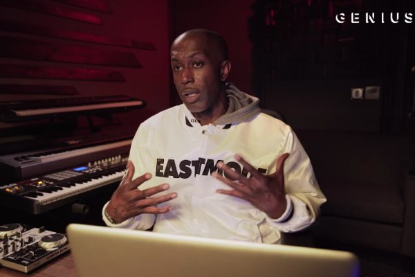 .@DameGrease Breaks Down the Making of @DMX's 'Get At Me Dog' https://t.co/kHz6xwPFLN https://t.co/OPn6vW8bxY
