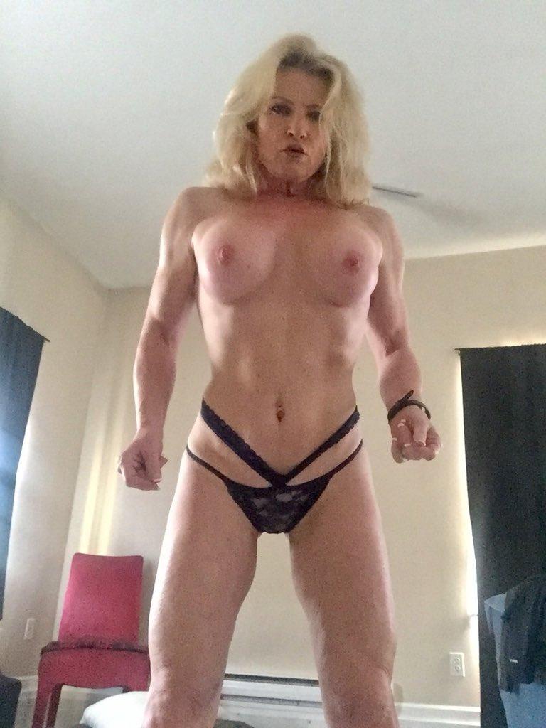 2 pic. Good morning my sexy friends! #MandyintheMorning 💋💋💋💋💋 foFldnY0ps