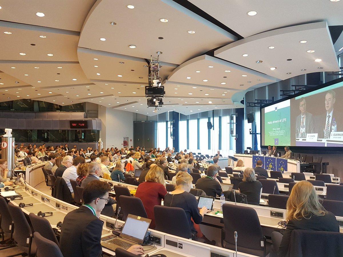 test Twitter Media - Anche quest'anno Iniziativa, attraverso l'ufficio di Bruxelles, ha partecipato all'European Information Day and Networking Event LIFE 2018 che si è tenuto a Bruxelles il 4 maggio 2018.  https://t.co/Zgk2nnxbxw https://t.co/n9UQedgNSX