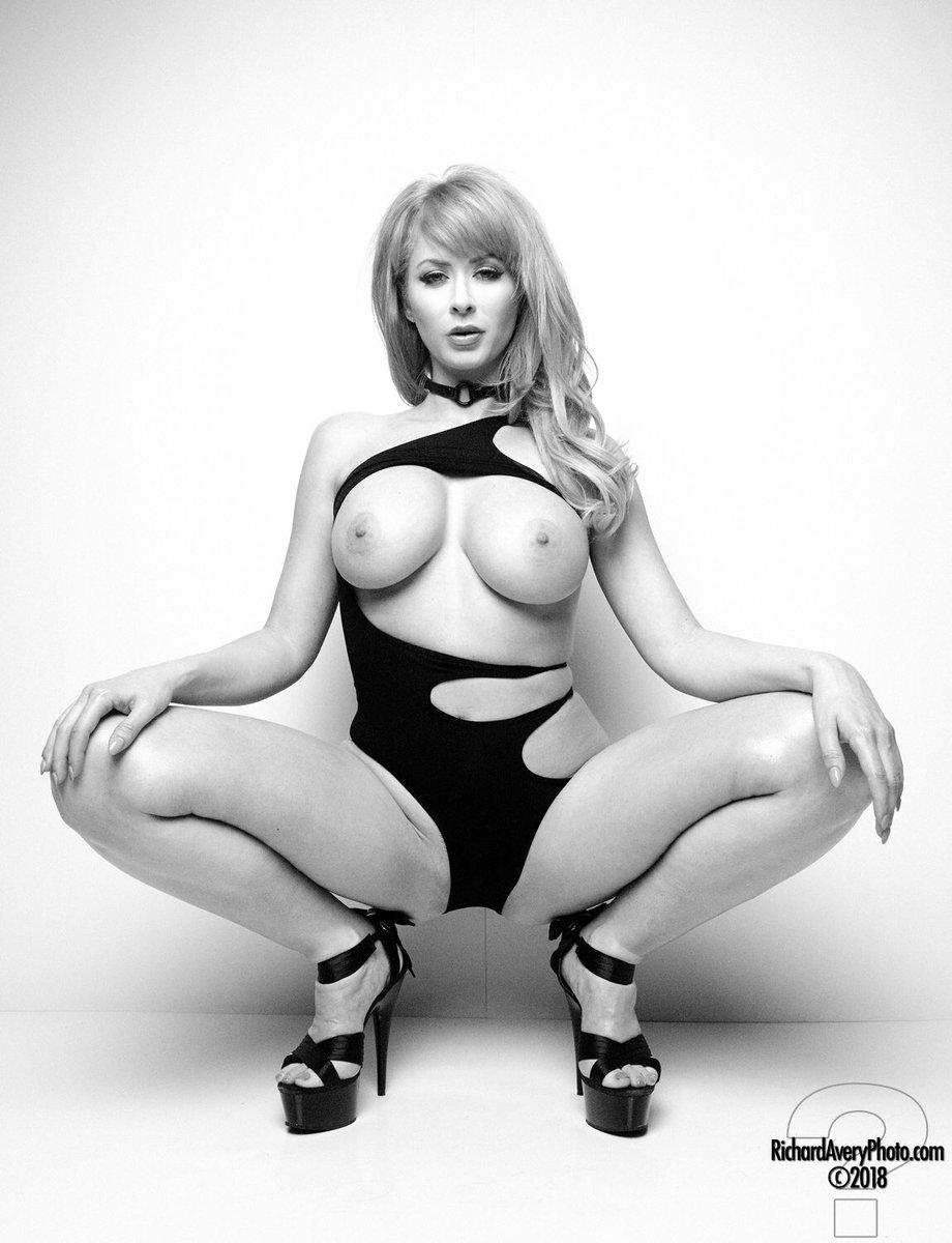 New set up on IjlEL7SxCA #nude #erotic #b&w #nsfw U