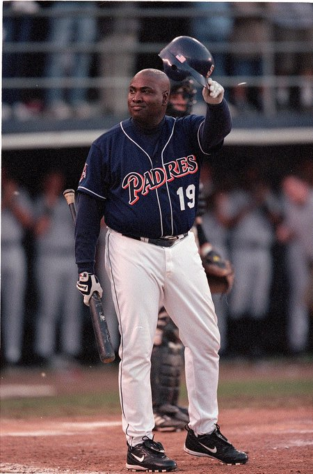 Happy birthday to one of the best hitters in baseball history, the late, great Tony Gwynn