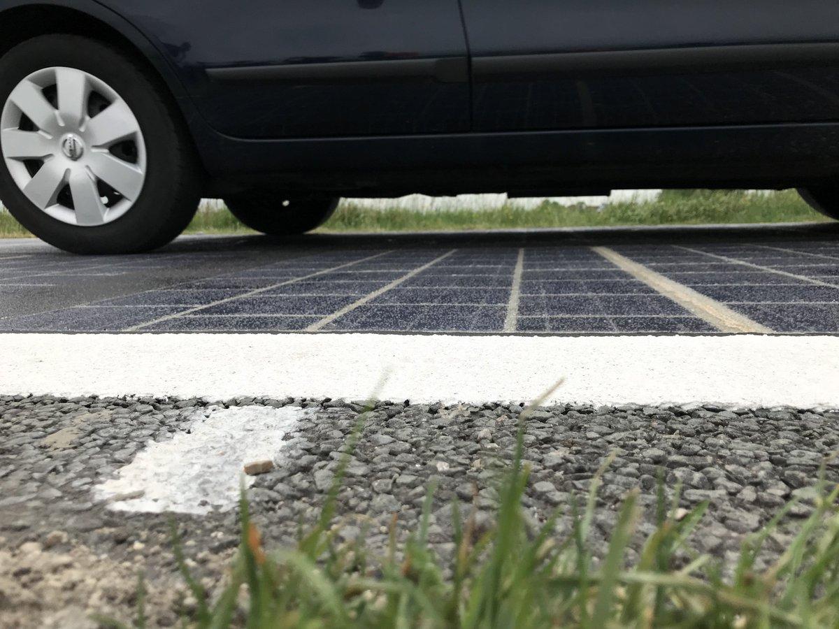 test Twitter Media - Rijden over de zonnepanelen? Het kan sinds vandaag op de N401. De @ProvUtrecht en @BAMInfra_nl gaven startschot voor tweejarige proef.  https://t.co/XB2E3lsoj1 https://t.co/fL0nPqdLsk