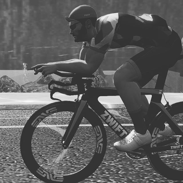 test Twitter Media - Ripped virtually 💪🏻 - ripping open chocolate bars IRL 🍫 #gozwift https://t.co/fu4Y0bh9RR https://t.co/AkF2yvGQkh