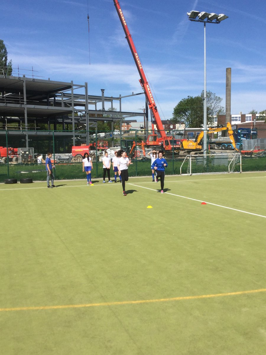 test Twitter Media - Year 9 GCSE leaders teaching Y7 pupils the sprinting technique. #youngleaders #outstanding https://t.co/Cz28TaHDmH
