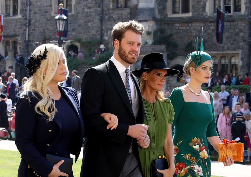 Who's the new hot, single royal? Meet Prince Harry's cousin Louis Spencer: https://t.co/bldHZUPcg6 https://t.co/NVsUu0DSYZ