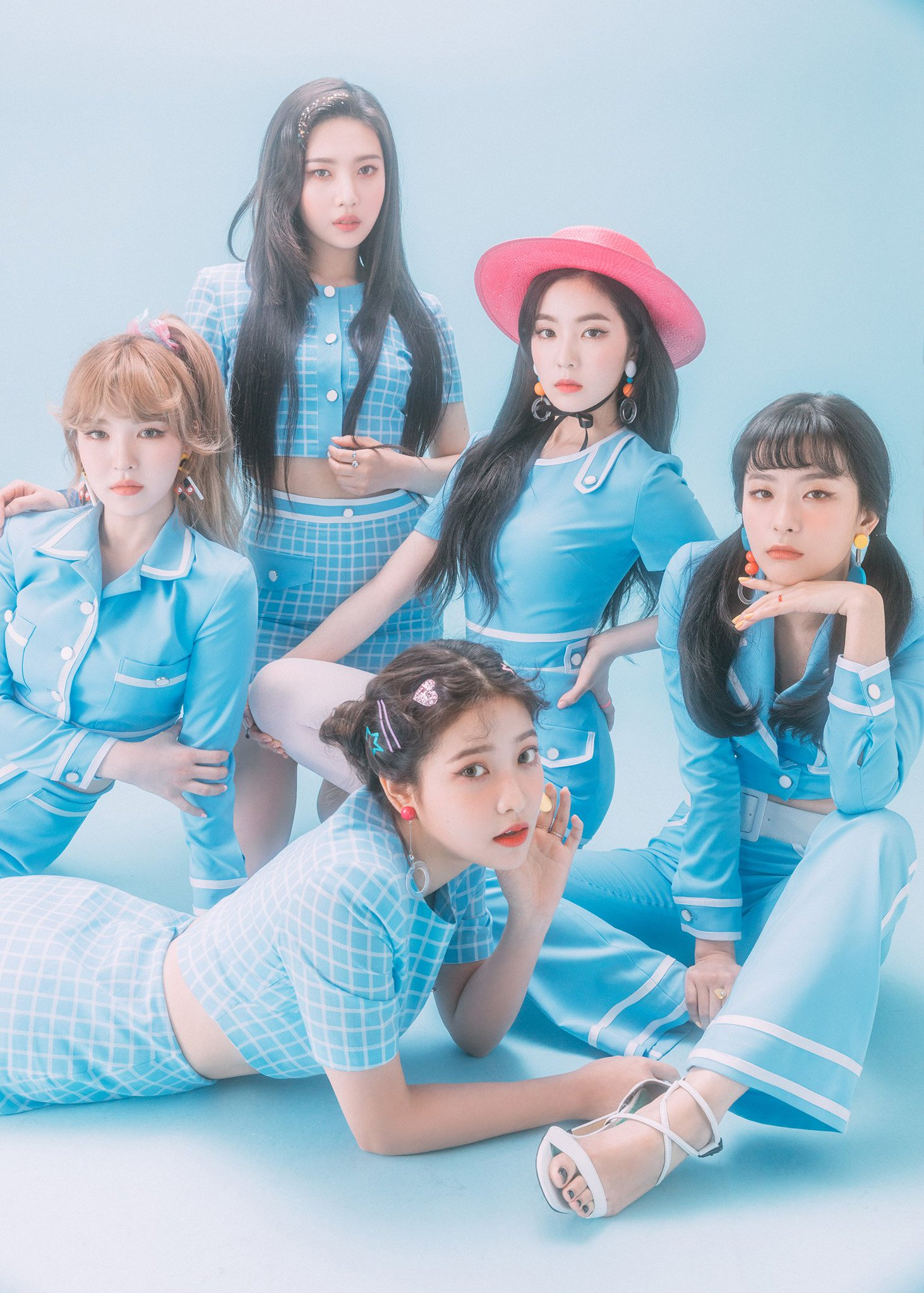 Red Velvet JAPAN 1st mini ALBUM 「#CookieJar」 7.4 Release!  https://t.co/YJIoAIKrwz  #RedVelvet #CookieJar https://t.co/wFuuOzB46R