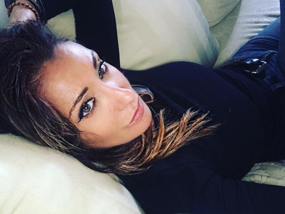 5 min sdraiata sul divano.. non di più sennò mi stresso.. ????♀️ #run #stress #relax #iperattiva #me #sabrinasalerno https://t.co/sdXad6nHoL
