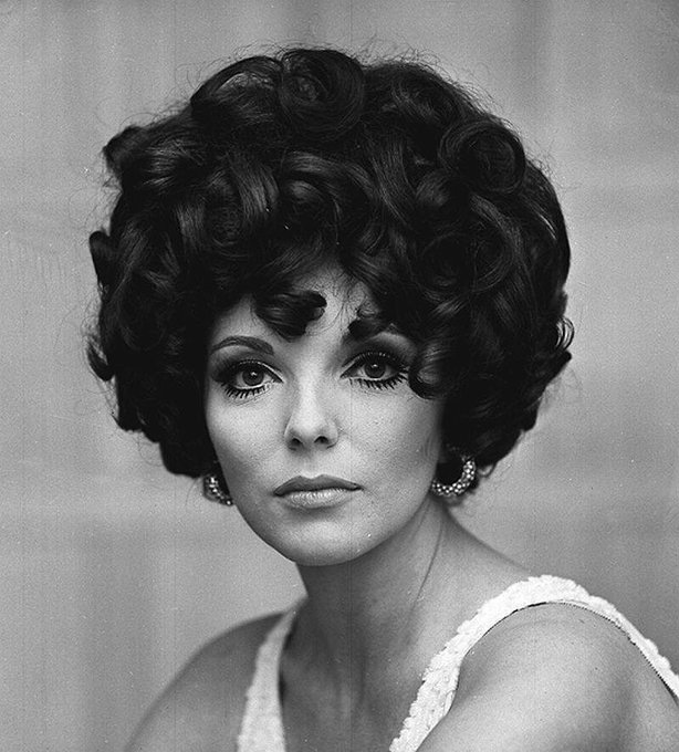Happy Birthday to Dame Joan Collins, who turns 85 today!