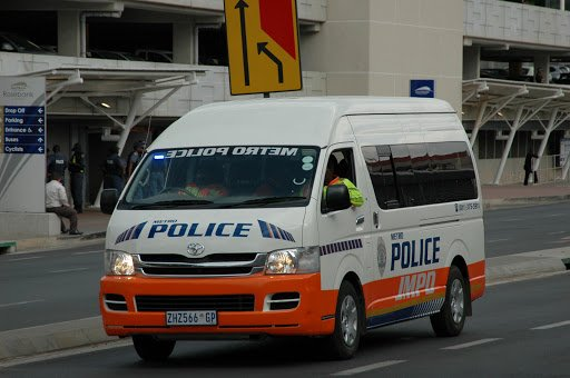 New JMPD shift system will see more cops on duty at night https://t.co/euEOfYoYIg https://t.co/elAXuEgVb4