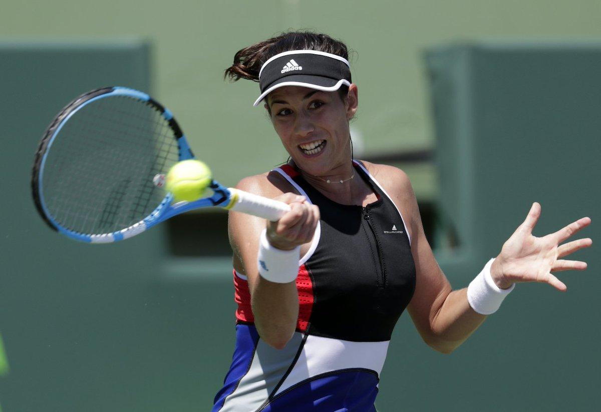 .@GarbiMuguruza, Serena, Venus and more hit the practice courts at #RolandGarros — WATCH: https://t.co/UzyMQHFWuU https://t.co/gkK0qiLL8I