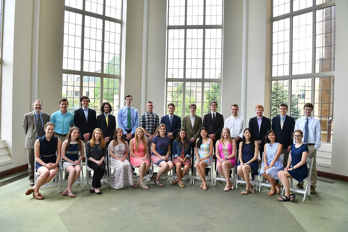 RT @NDBios: Senior Science students honored at Dean's Awards Luncheon. https://t.co/TkdSYMnCqL https://t.co/Jz4186xamX