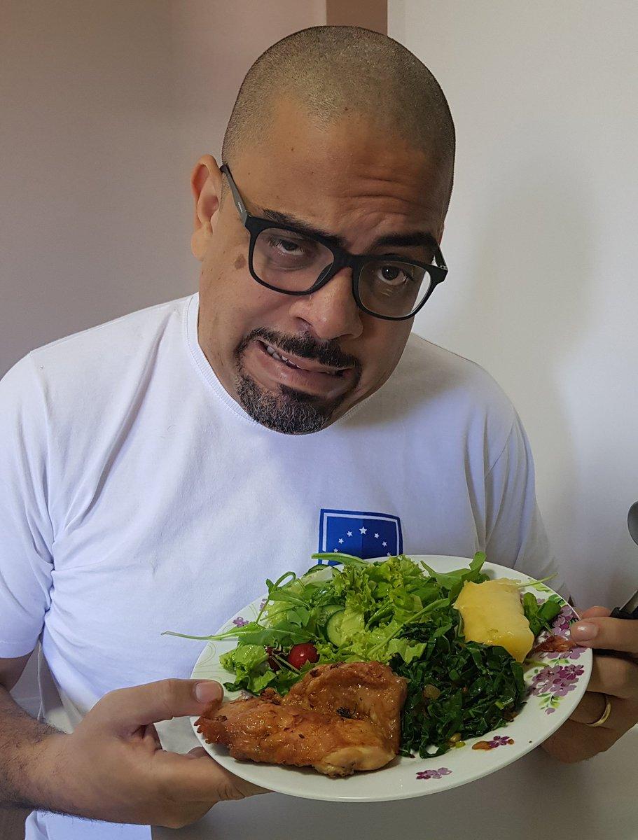 RT @essediafoilouco: A dieta é o Rafael Vaz da alimentação humana. https://t.co/4J2I12i53s
