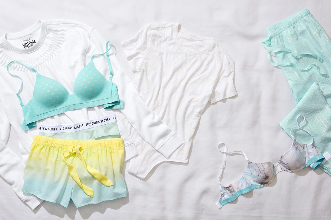 Setting the tone for summer. #XOVictoria https://t.co/MC0GRQ6KZC https://t.co/iBbCWN7UCU