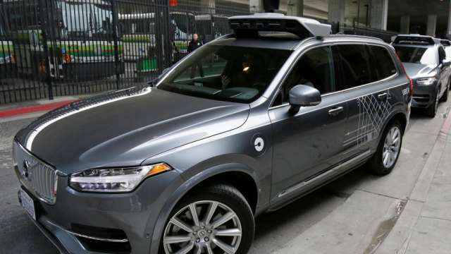 Nach tödlichem Unfall: Uber stellt Roboterwagen-Fahrten in Arizona ein https://t.co/66lfYHHZPA https://t.co/bGpI6zyWVw