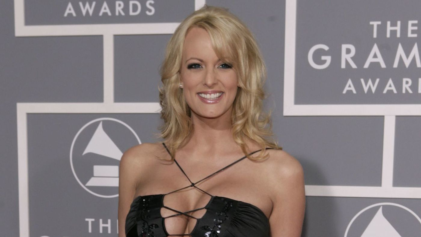 On 'Stormy Daniels Day,' West Hollywood to honor porn star with key to the city https://t.co/9p2A8CJX8G https://t.co/DNZ2jQrGqu