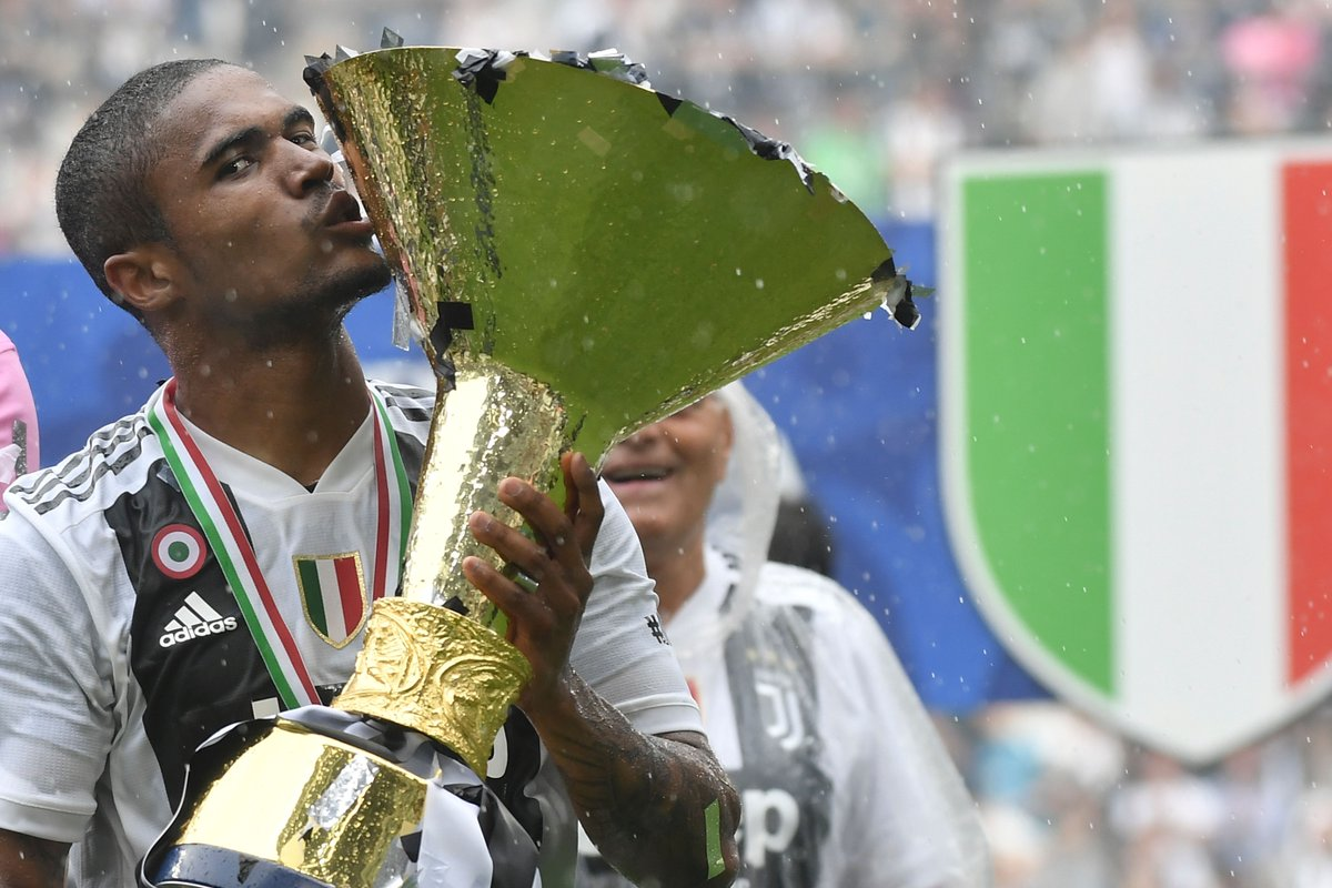 United are linked with a possi douglas costa