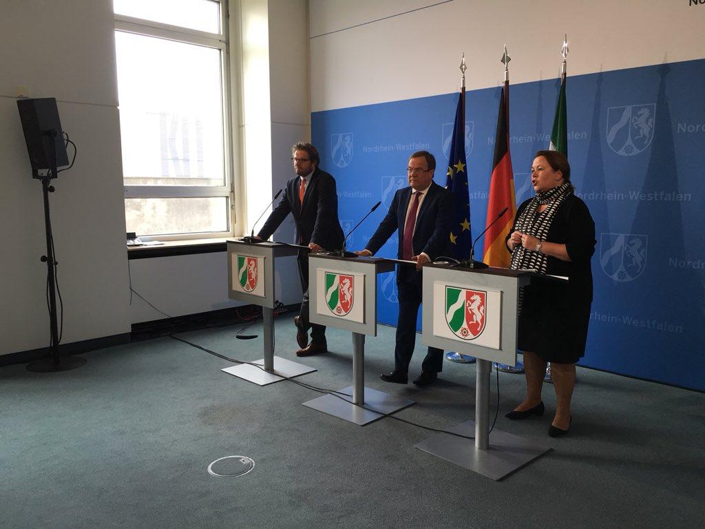 RT @RTLWEST: Ministerpräsident @ArminLaschet stellt in diesen Minuten die neue NRW-Umweltministerin @HeinenUlla vor. https://t.co/a749crabD4