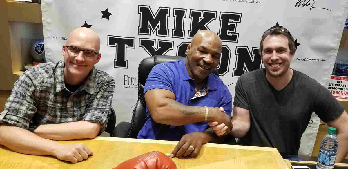 Meet me TODAY and get my autograph in #LasVegas at @TristarVegas and @FODCaesars! Info: https://t.co/5Nk70P0Jv2 https://t.co/LJaiHHgTlG