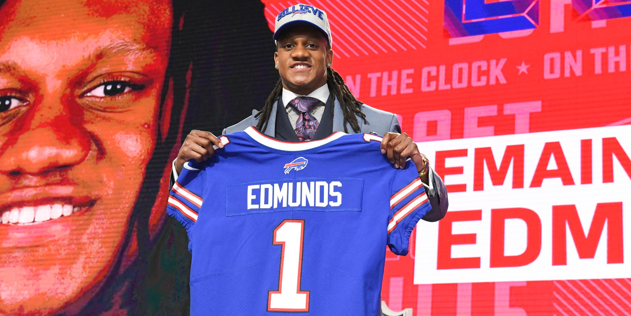 .@buffalobills sign first-round pick Tremaine Edmunds (@maine_savage23): https://t.co/S11GxJKaoQ https://t.co/IBKPRVy3F0
