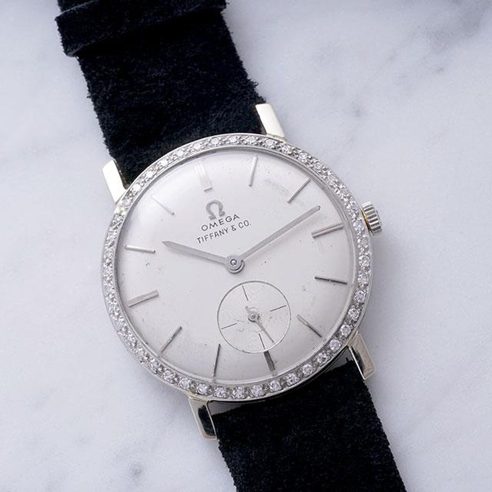 Omega watch belonging to Elvis Presley sells at auction for $1.8 million. https://t.co/HqJiCYqAKu https://t.co/BXUKkJxF9I