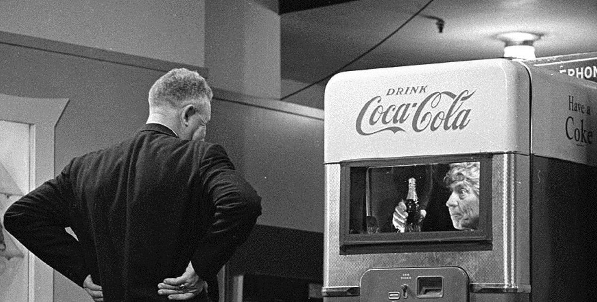 May 14th 1961 #HarpoMarx  appeared inside a Coke machine on CBS television's