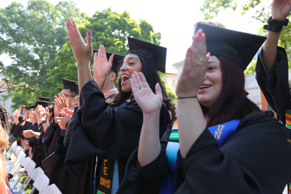 Congratulations, #Emory2018! You'll be the catalysts of many amazing changes to come! https://t.co/P5QKTu3FhR