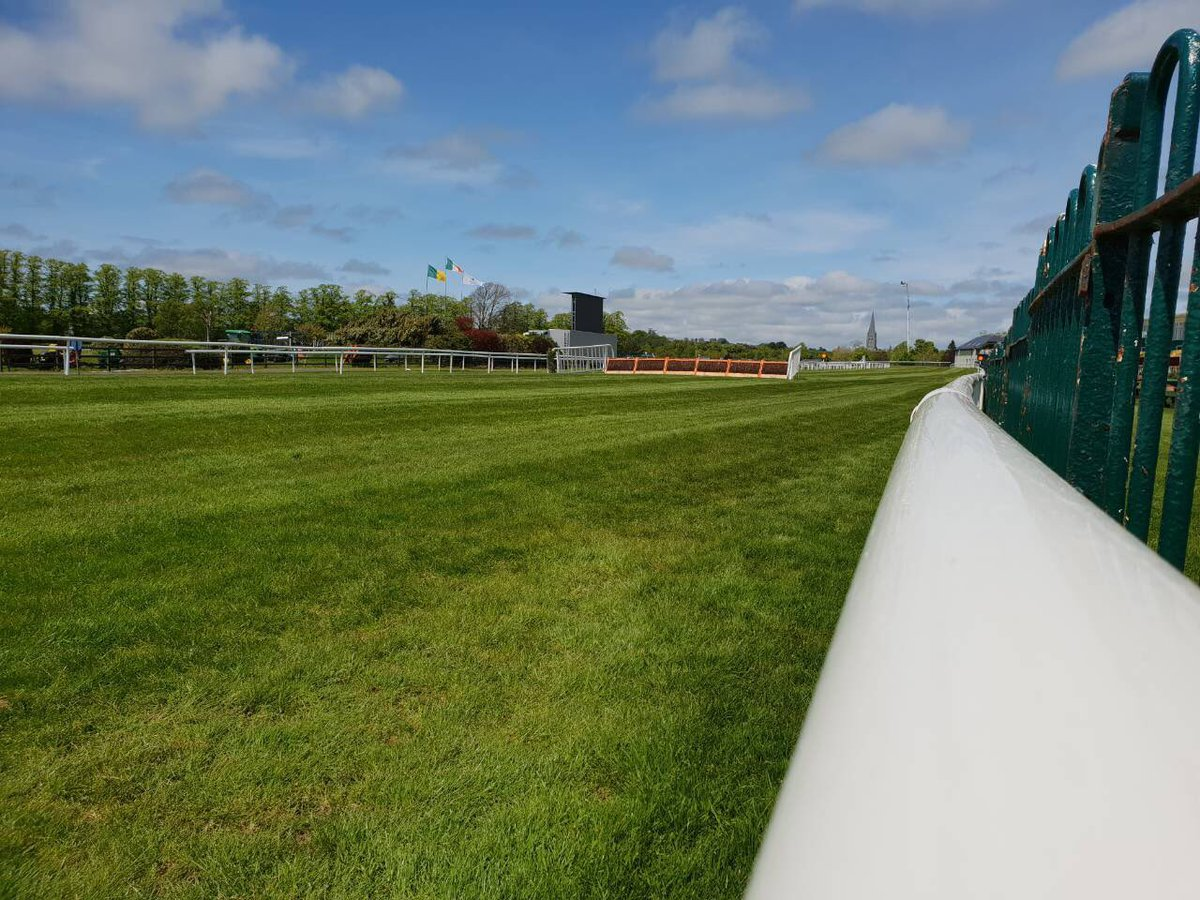 test Twitter Media - Blue skies are out! Are you? #ComeRacing to @KillarneyRaces https://t.co/hd7Yi6SgIl