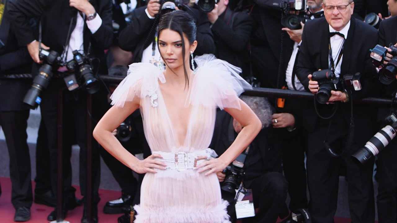 Très chic! Check out some of the best fashion moments from #Cannes2018 so far https://t.co/3btM5EIiLG https://t.co/kvkwCcMNZJ