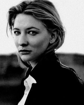Happy Birthday to this icon Cate Blanchett ! 49 has never looked so good