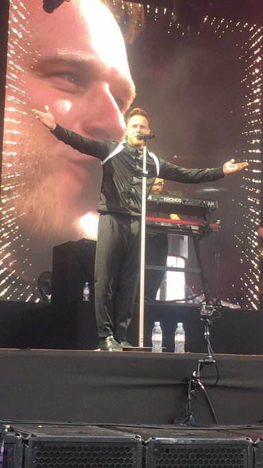HAPPY BIRTHDAY TO THE LEGEND OLLY MURS!!!! I LOVE YOU