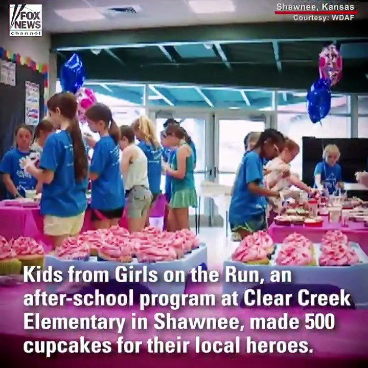 'Girls on the Run' students in Kansas thank first responders with 500 cupcakes https://t.co/slwJ8vjQBH https://t.co/cbmhxk02g2