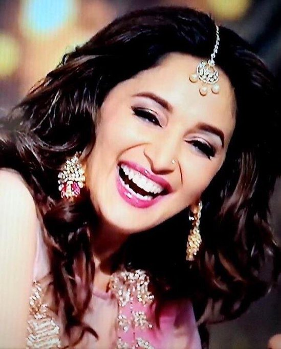 Happy Birthday Madhuri Dixit wish u all the best my Queen ....loooove u