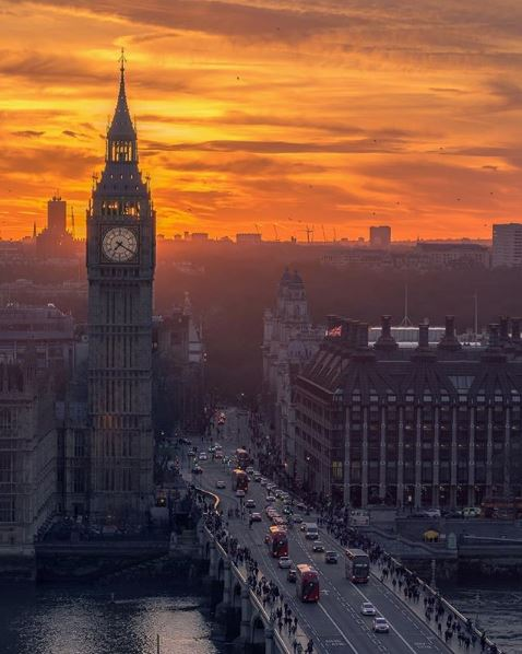 """When a man is tired of London, he is tired of life. For there is in London all that life can afford"" ❤️️  Photo by @tmnikonian on Instagram https://t.co/2ih8tbPUEo"