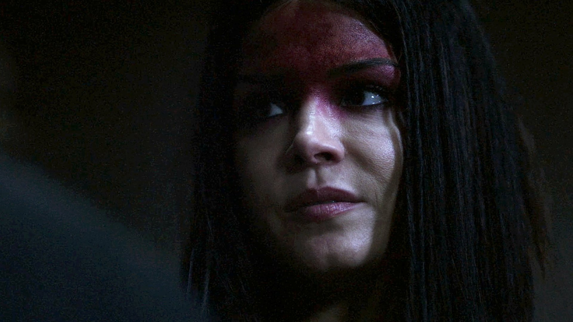 Pandora's box is about to be open. #The100 is new TONIGHT at 9/8c on The CW! https://t.co/Q0Z5GbwXkc