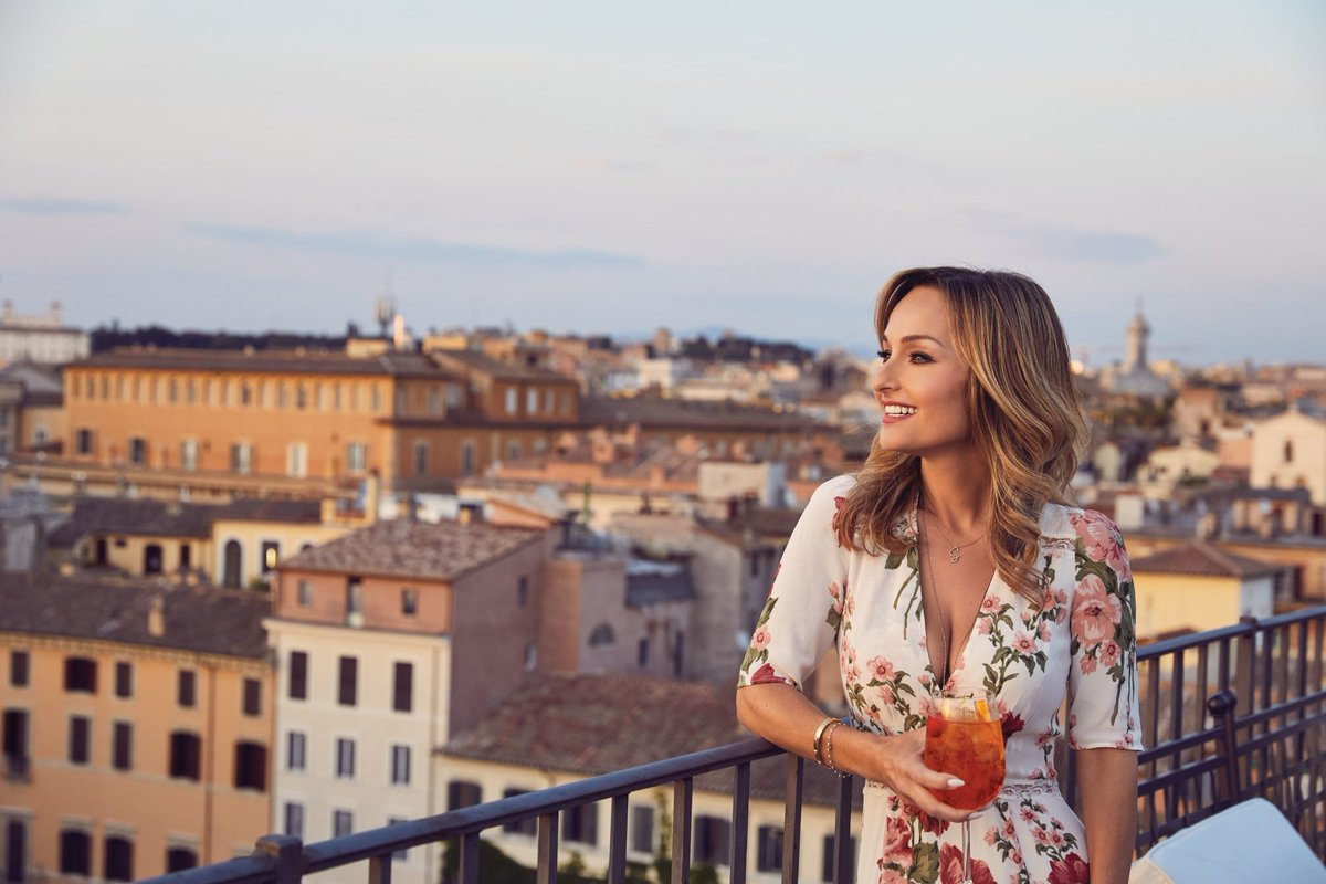 Win an eating and drinking trip to Rome and experience @GDeLaurentiis's Italy! Enter here: