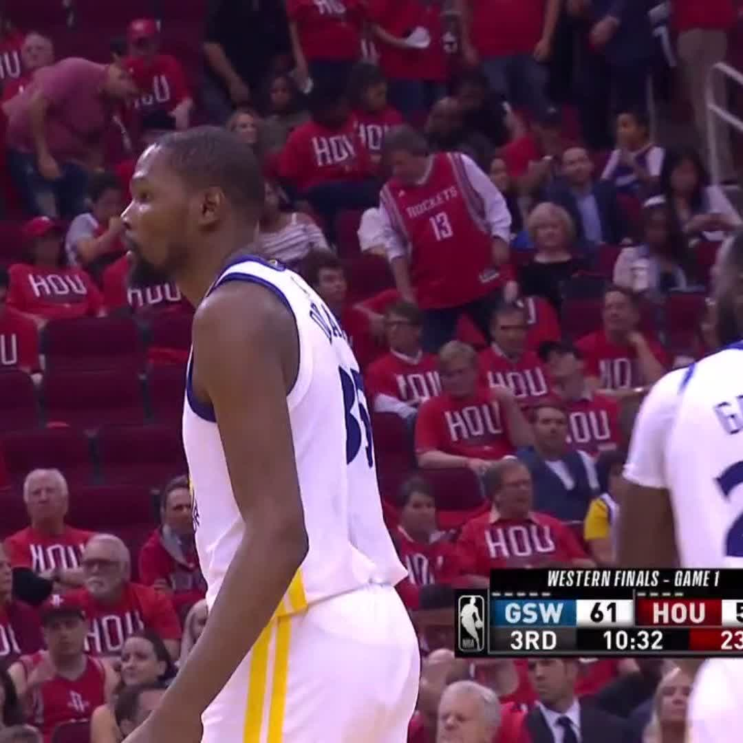 KD picking up where he left off ��  #NBAPlayoffs | #DubNation https://t.co/luiefx5SMi