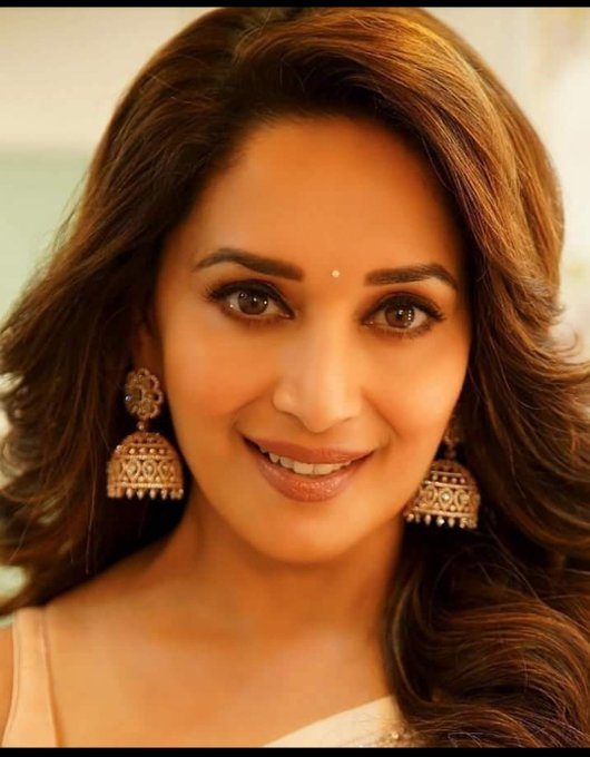 Happy Birthday Madhuri Dixit.....