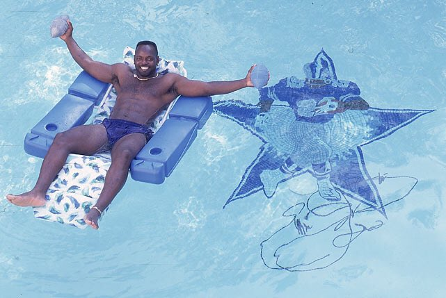 (1996) Emmitt Smith relaxing in his custom pool   Happy Birthday Emmitt Smith!