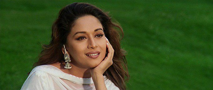 Happy Birthday Madhuri Dixit: Dhak Dhak Girl Charm And Grace Is Evergreen