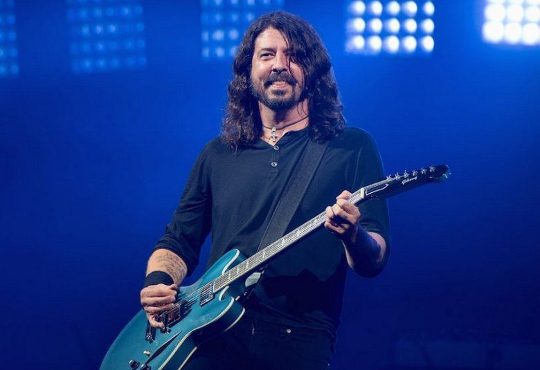 Dave Grohl is recording a 25-minute instrumental track all by himself https://t.co/pOtXQBIROL https://t.co/DBk6BULnEa